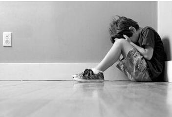 儿童自杀事件频发,只因学习压力大