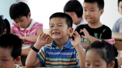 孩子上课特别会讲话怎么办
